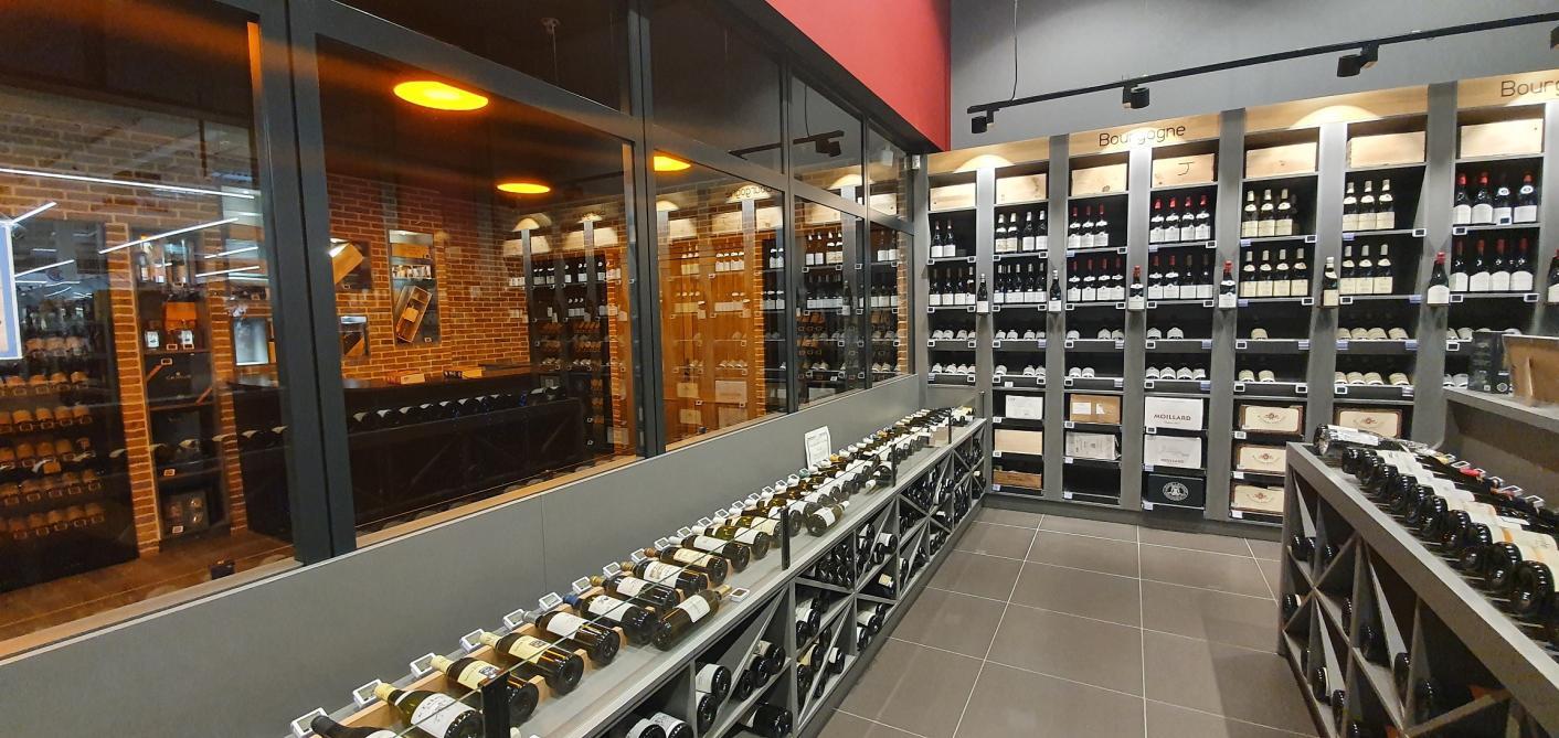 Une Cave A Vin une cave à vins et des grands crus au centre leclerc pierry