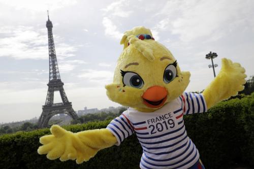 reims la mascotte de la coupe du monde l h pital des enfants journal l 39 union. Black Bedroom Furniture Sets. Home Design Ideas