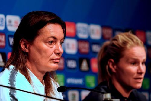 Football (Coupe du monde féminine). Morceaux choisis de la conférence de  presse de Diacre et Henry