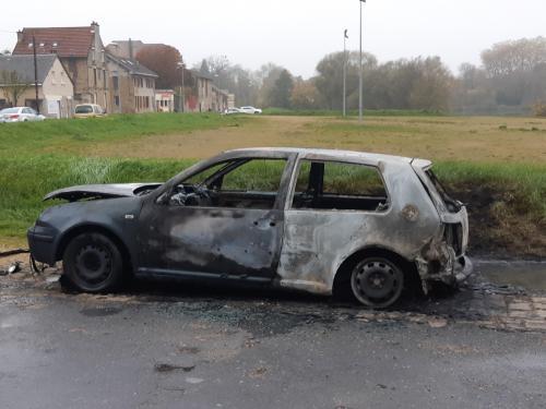 Sedan : une voiture brûlée dans la nuit de mardi à mercredi - L'Ardennais