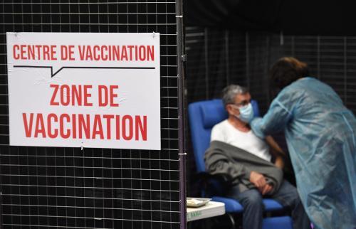 Le Covid-19 «va rentrer dans les rangs des virus saisonniers banals», pour le virologue Bruno Lina - L'Est Eclair