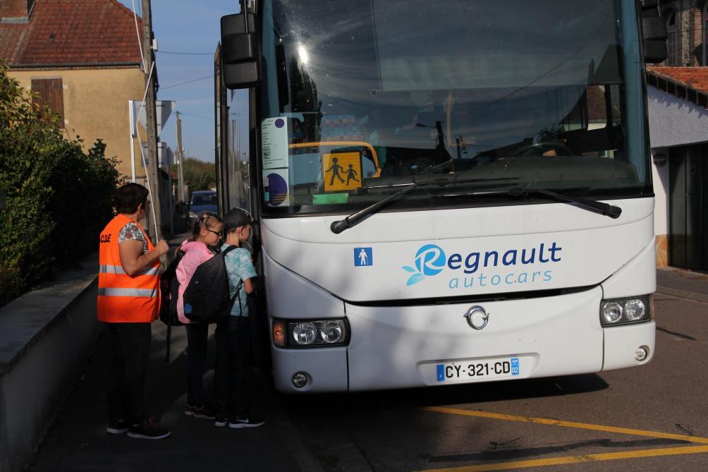 Regnault Autocars Recrute Des Conducteurs De Bus Scolaires à