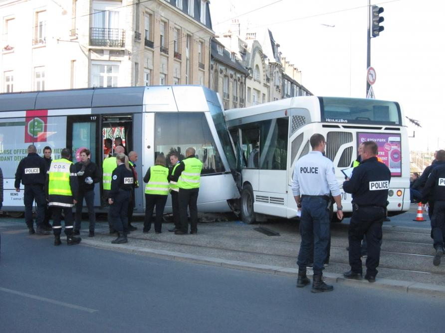le chauffeur de bus impliqu dans l accident avec le tramway reims en 2017 sera jug ce. Black Bedroom Furniture Sets. Home Design Ideas