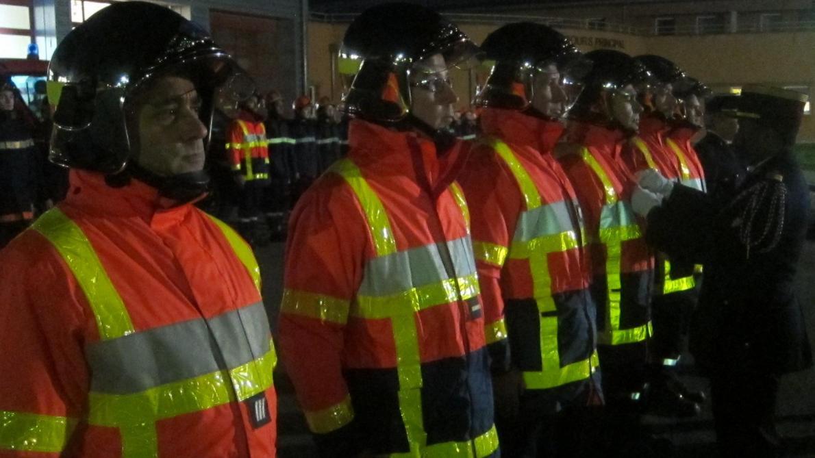 chauny   courage et d u00e9vouement  honneur aux pompiers