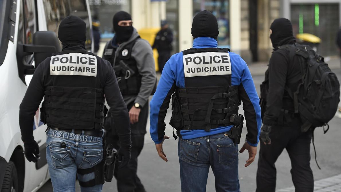 Homme rechercher a st dizier par la police [PUNIQRANDLINE-(au-dating-names.txt) 51