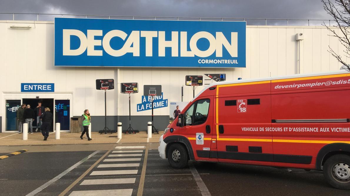 b88c92265 Un individu tire avec une arme à feu dans un Decathlon près de Reims ...