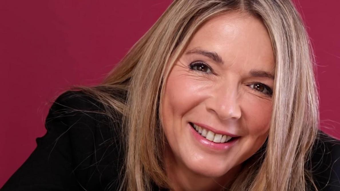Hélène Rollès (Les mystères de l'amour) invitée par Emmanuel Macron à l'Elysée