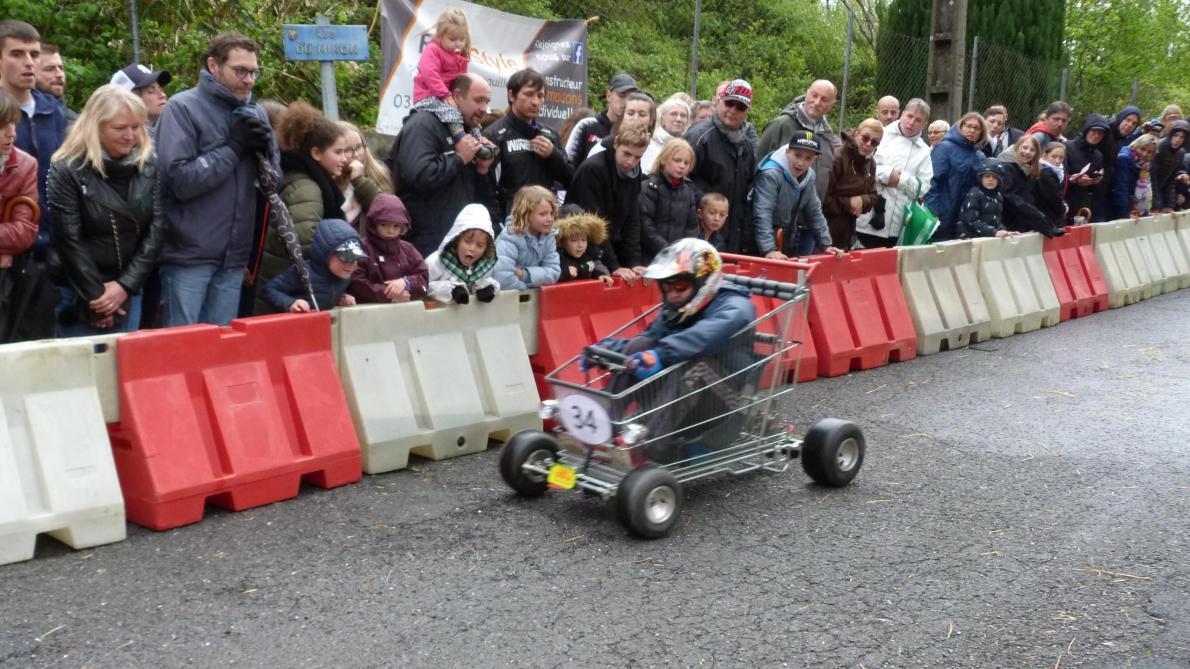 Course Caisse A Savon Calendrier 2021 Stupéfiante course de caisses à savon, à Rimogne