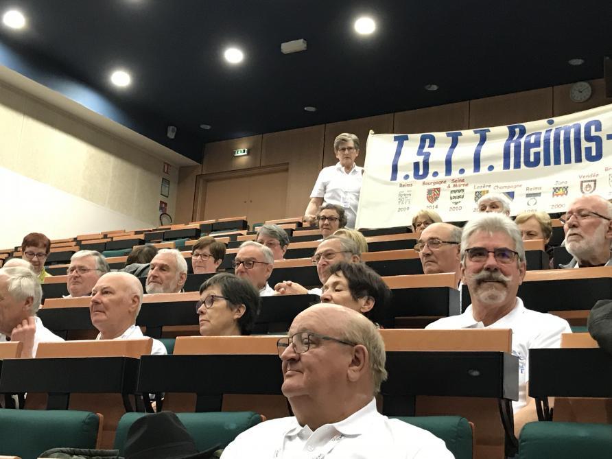 À Reims, 50 Ans Après, Ils Retournent Dans Leur Lycée