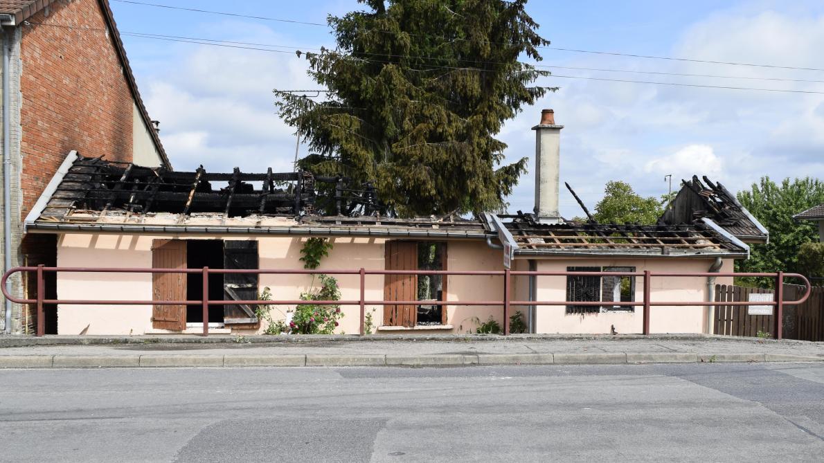 Bois De La Saulx incendie à pargny-sur-saulx, un pavillon ravagé par les flammes