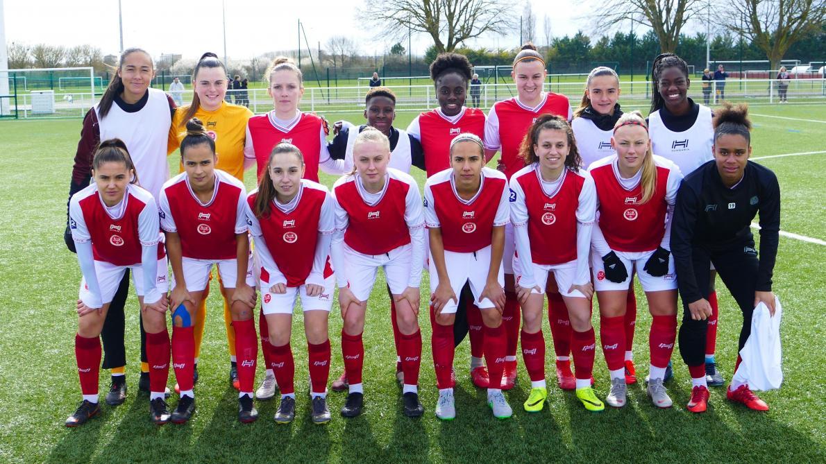 Football Trois Joueuses Du Stade De Reims Preparent L Euro U19
