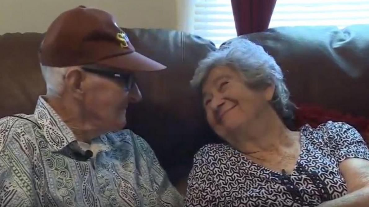 Après 71 ans de mariage, elle décède quelques heures après son mari !