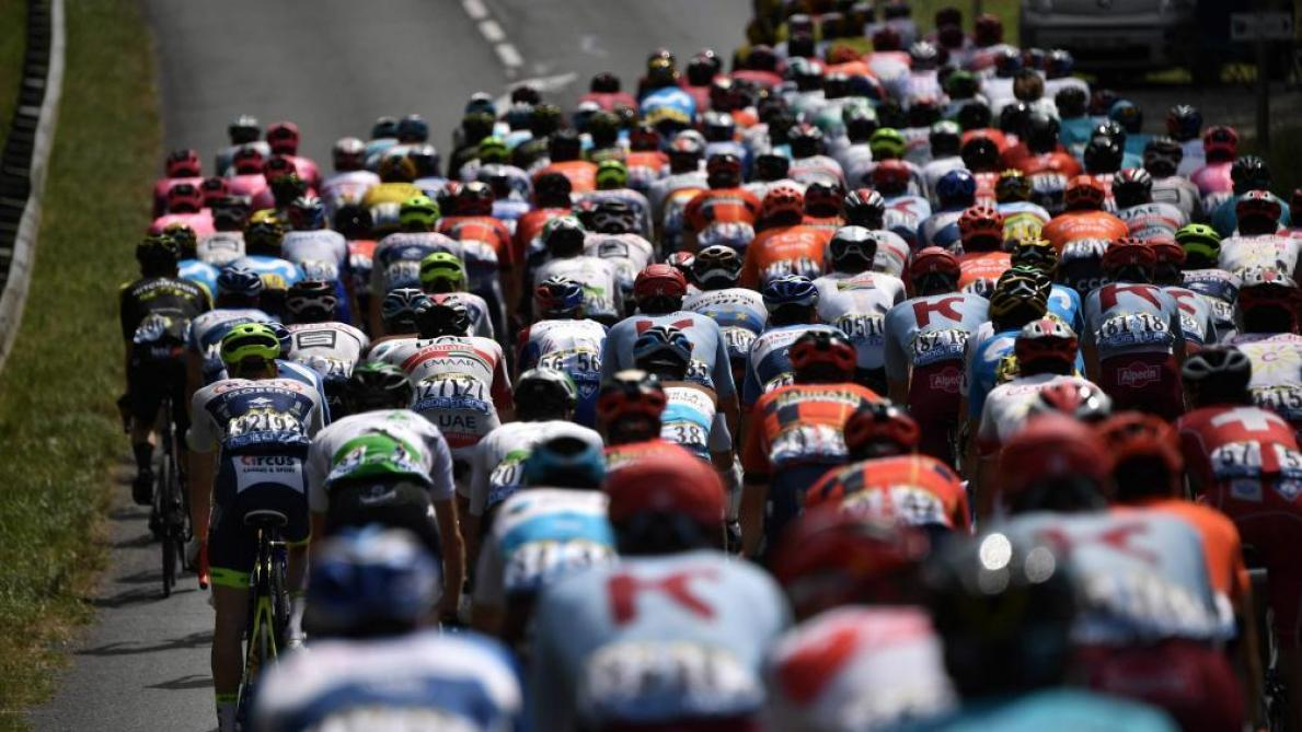 b7072342c9846 Comment les cyclistes du Tour de France affrontent la chaleur ...