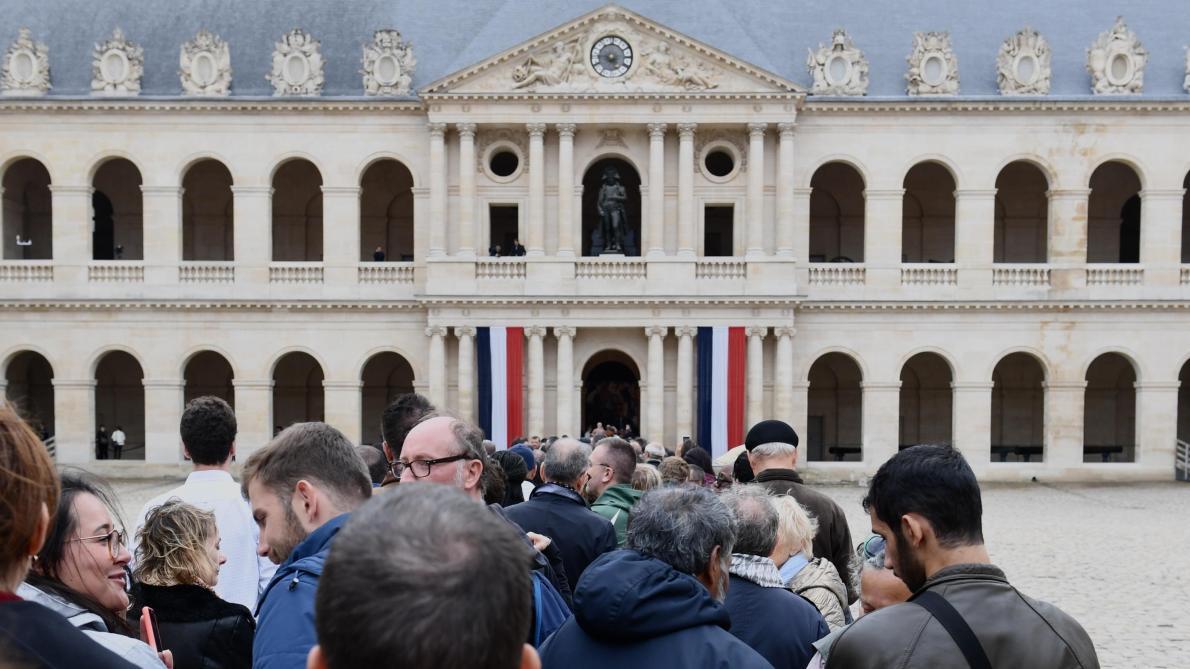La France fait ses adieux à Jacques Chirac (PAPIER GENERAL)
