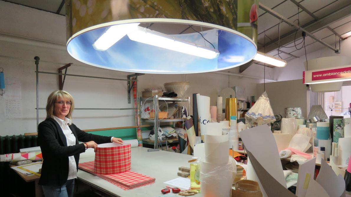 Atelier Du Luminaire Toulouse plus de 10 000 abat-jour sortent chaque année de l'atelier