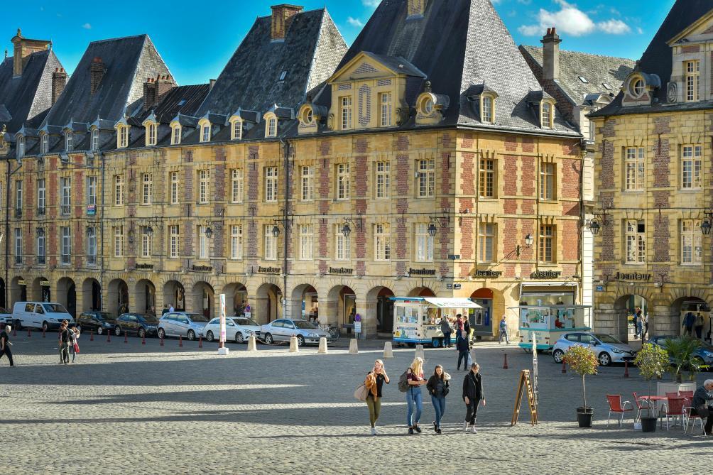 Charleville un parking sous la place ducale une - Chambre de commerce charleville ...