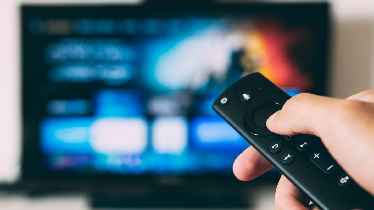 Redevance télé: les familles payeront-elles bientôt plus cher que les célibataires?