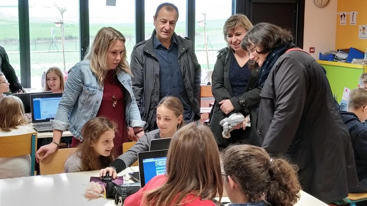 Les écoliers de Saint-Jean-de-Bonneval passent à l'heure du numérique - L'Est Eclair