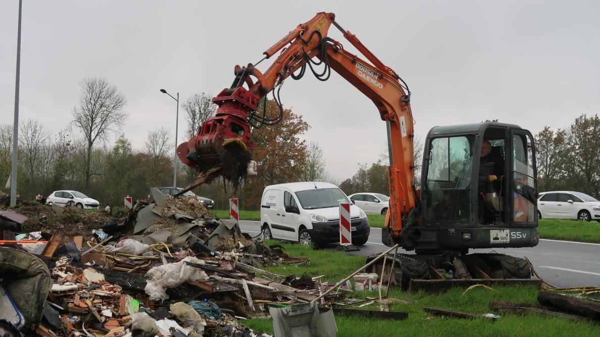 À Laon, un début de nettoyage au rond-point de l'Europe - L'Union