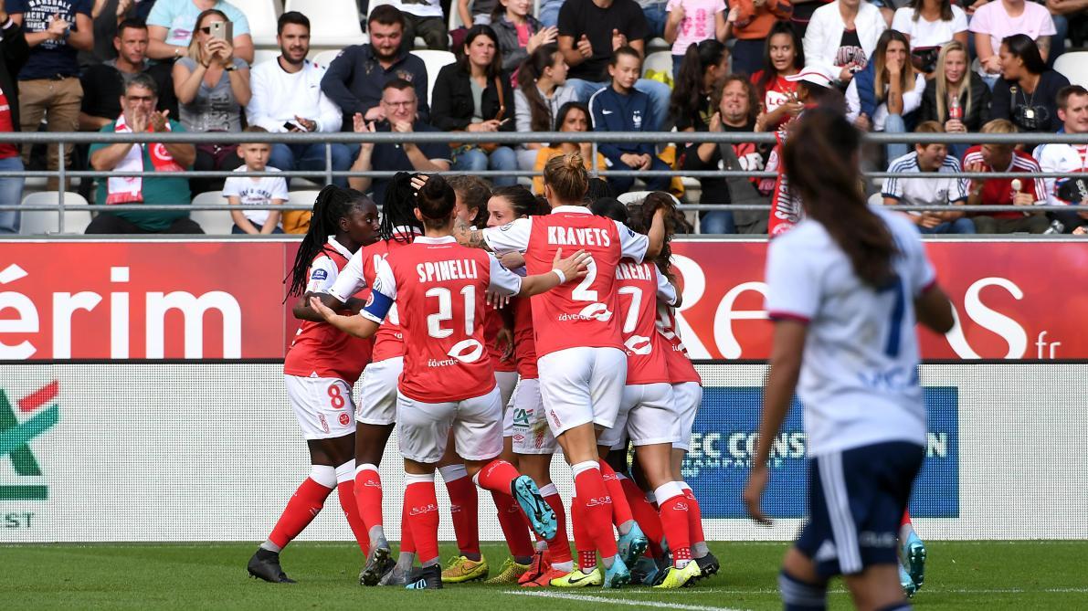 Football D1 Feminine Un Don Alimentaire Pour Assister A Stade