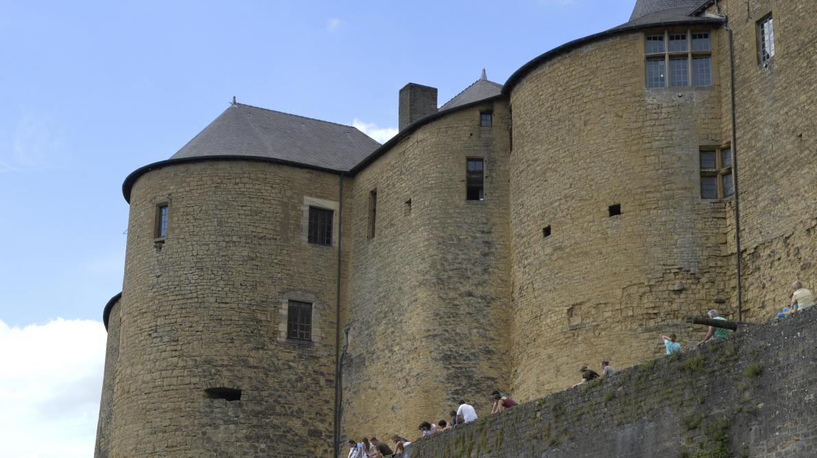 À Sedan, le château fort et la future caserne des pompiers sont au programme du conseil municipal - L'Ardennais