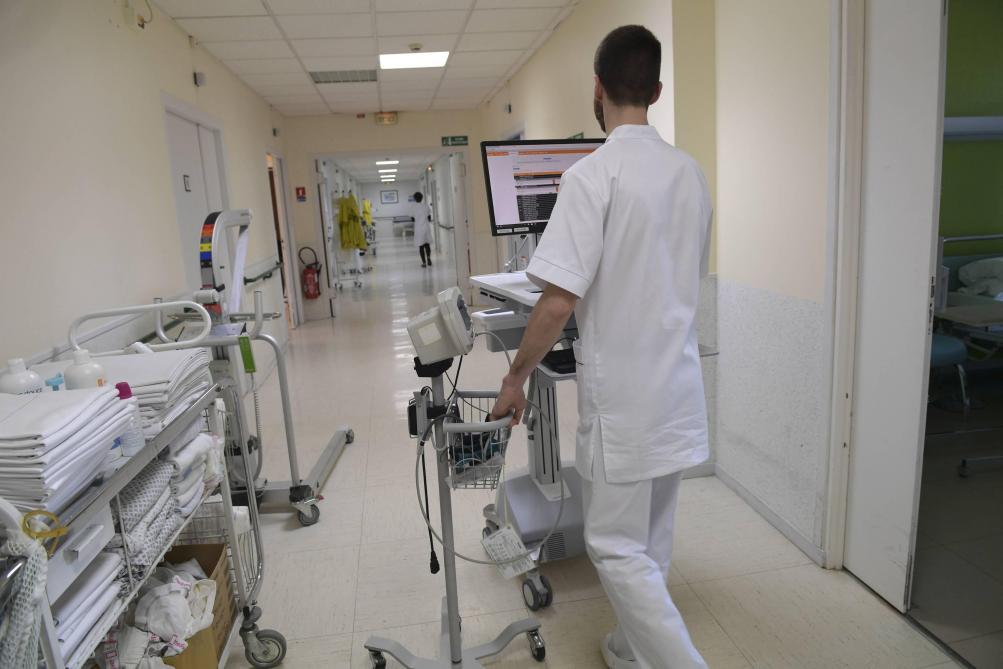 En France, le salaire des infirmiers parmi les plus bas des pays de l'OCDE