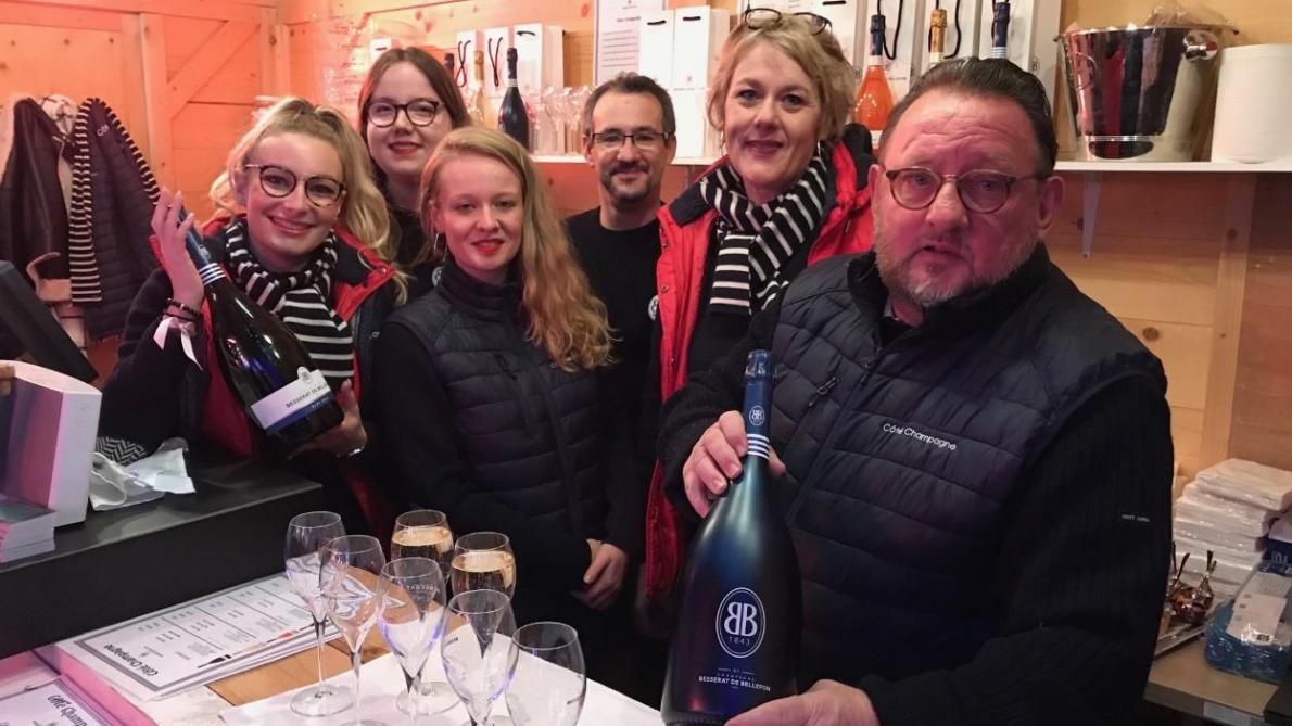 Le Marche De Noel A Reims Ne Manque Plus De Champagne