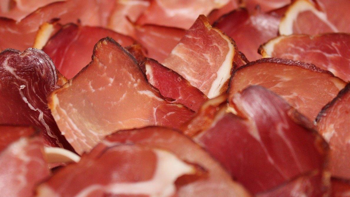 Suspicion de contamination de charcuterie vendue en grande surface — Listeria