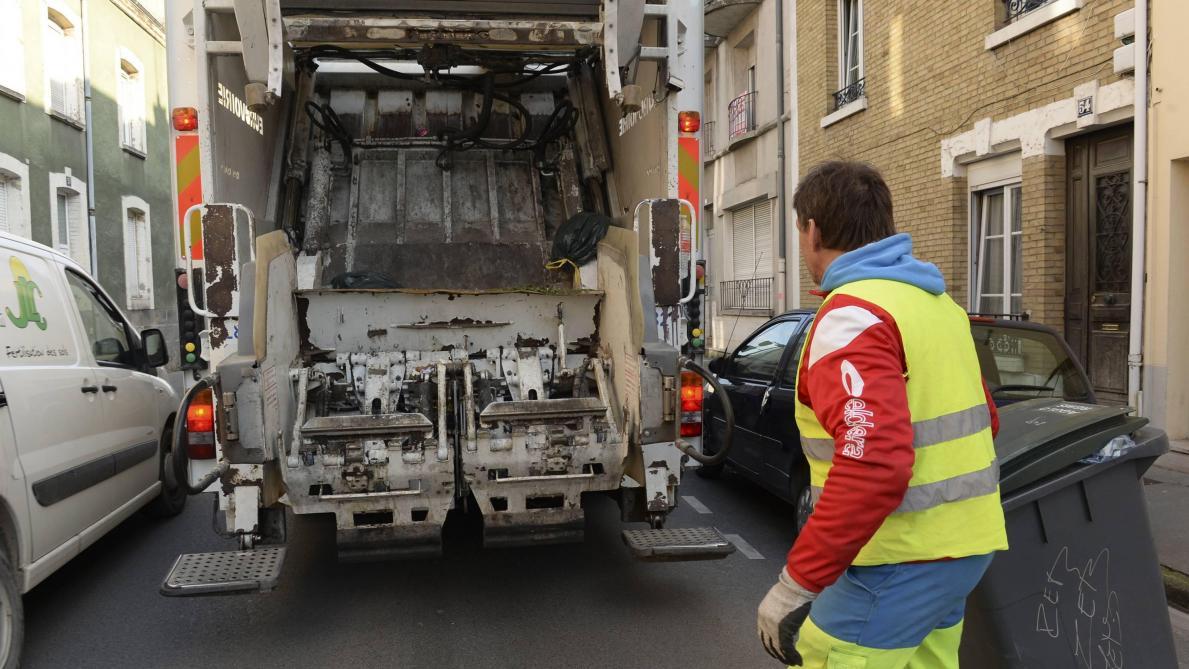 LICENCIÉ À CAUSE D'UNE SIESTE: Adama Cissé va retourner au travail
