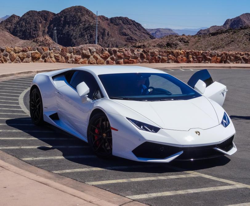 États-Unis : il s'offre une Lamborghini avec un prêt garanti par l'État