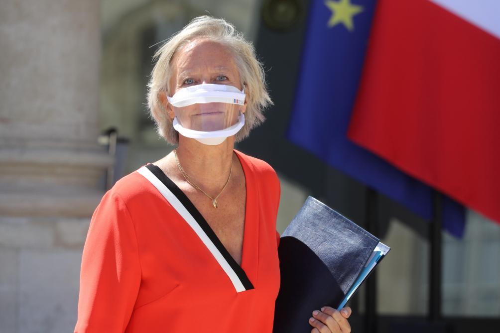 Des masques transparents pour les enseignants des écoles maternelles — Coronavirus