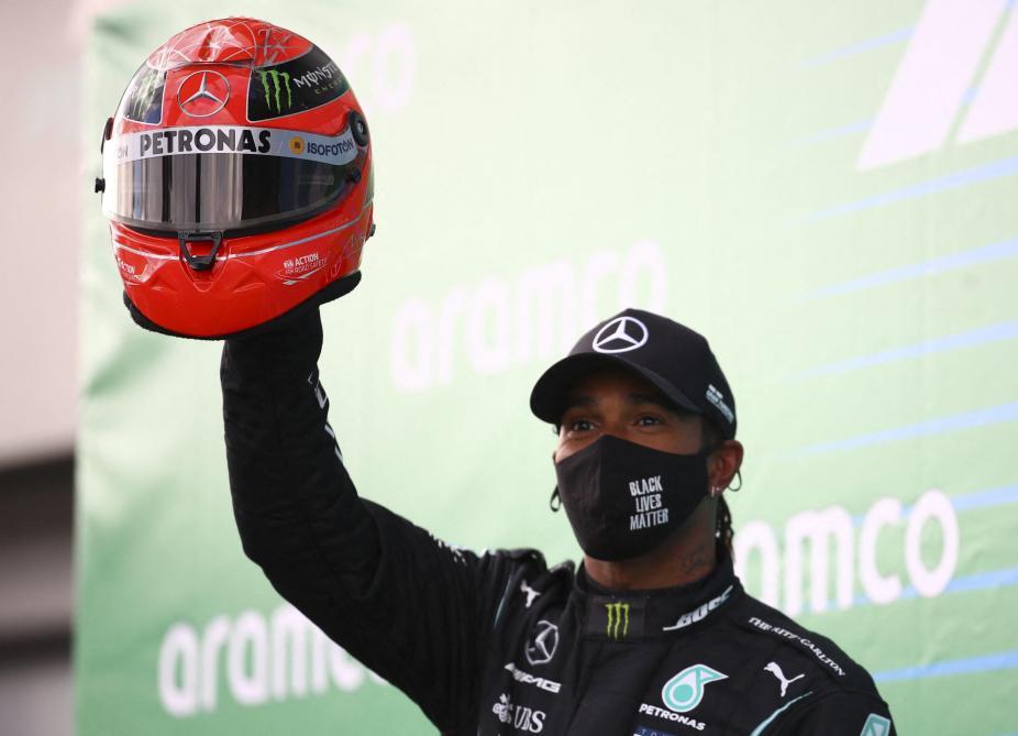 Formule 1 - Au GP de l'Eifel, Lewis Hamilton égale Michael Schumacher