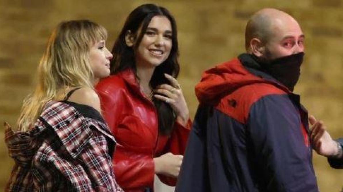 À Londres, la police intervient sur le tournage du clip d'Angèle et Dua Lipa