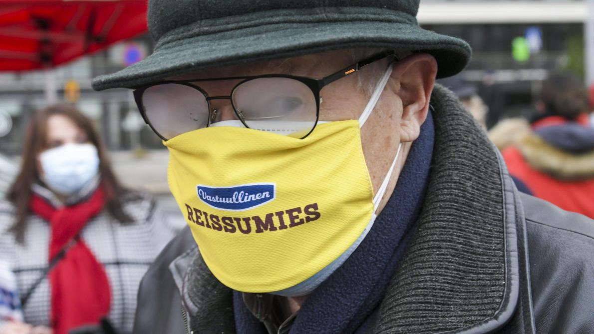 Un pansement pour éviter la buée sur les lunettes — Port du masque