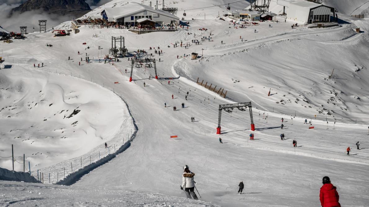 Les stations de ski ouvertes mais les remontées mécaniques fermées — Jean Castex