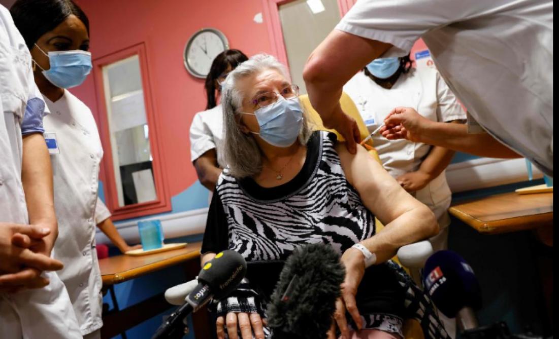 Covid-19 : Non, Mauricette, première personne vaccinée en France, n'est pas décédée