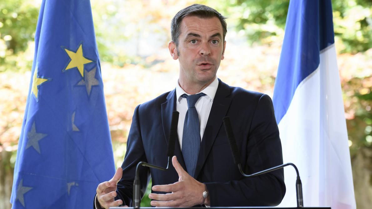 Pourquoi la France va espacer les doses