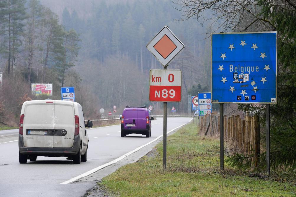 Les frontières rouvrent lundi, les terrasses début mai — Belgique