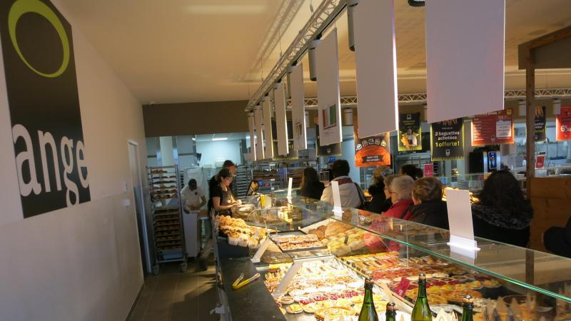Carte Boulangerie Ange.Du Pain Beni Pour La Boulangerie Ange Fraichement Installee A Saint