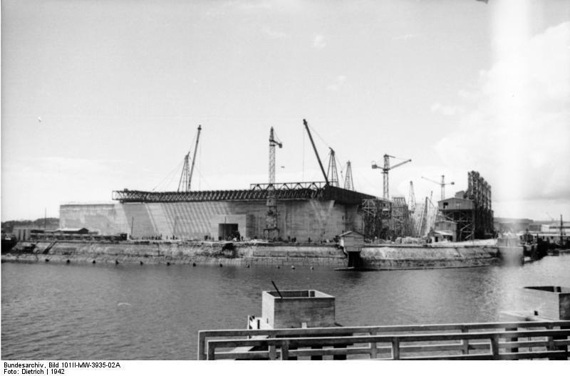 La base sous-marine porte à l'époque le nom de « Stosskopf »