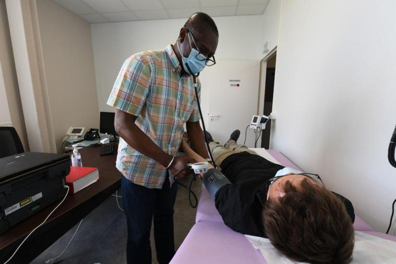 Le docteur explique que «nous soignants, avons besoin parfois de stationner au plus près de notre lieu d'intervention».