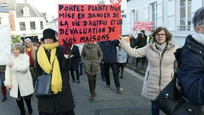 PHOTOS. Plus de 200 manifestants à Laon contre l'industrie éolienne